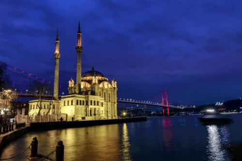 oguzbuktel_istanbul__DSC1062m